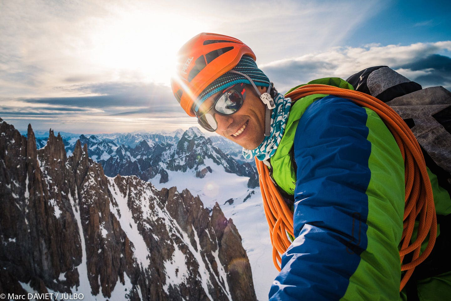 8ea1b59f120 Choosing your high mountain sunglasses - Julbo.com